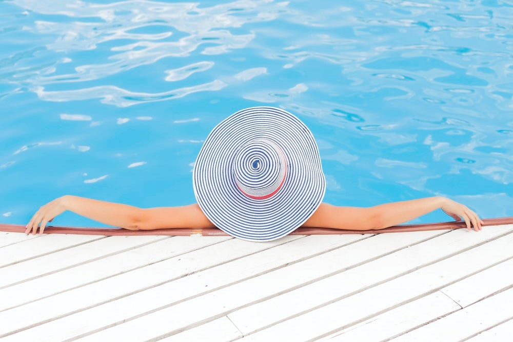 Do I Need a Heat Pump for My Swimming Pool?
