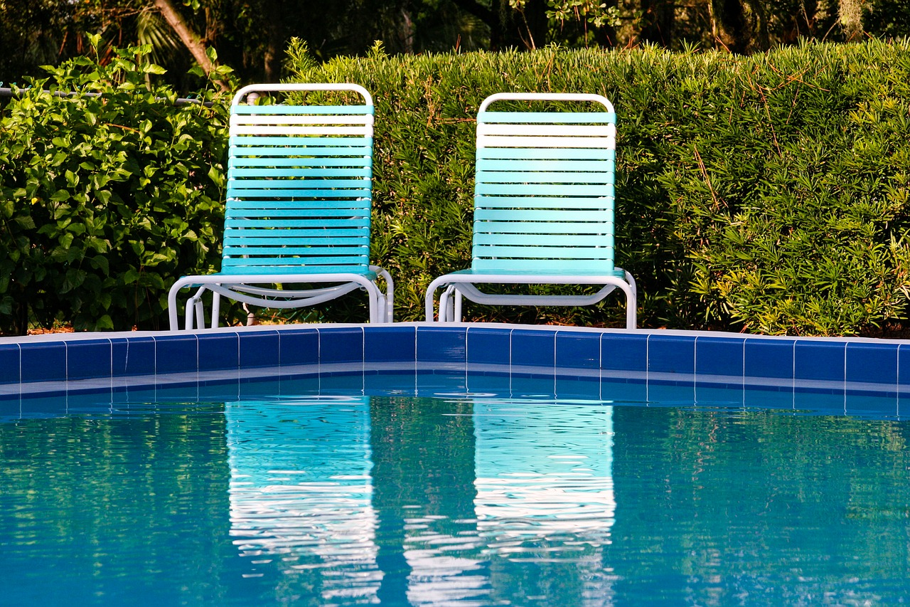 How to Replace a Swimming Pool Liner