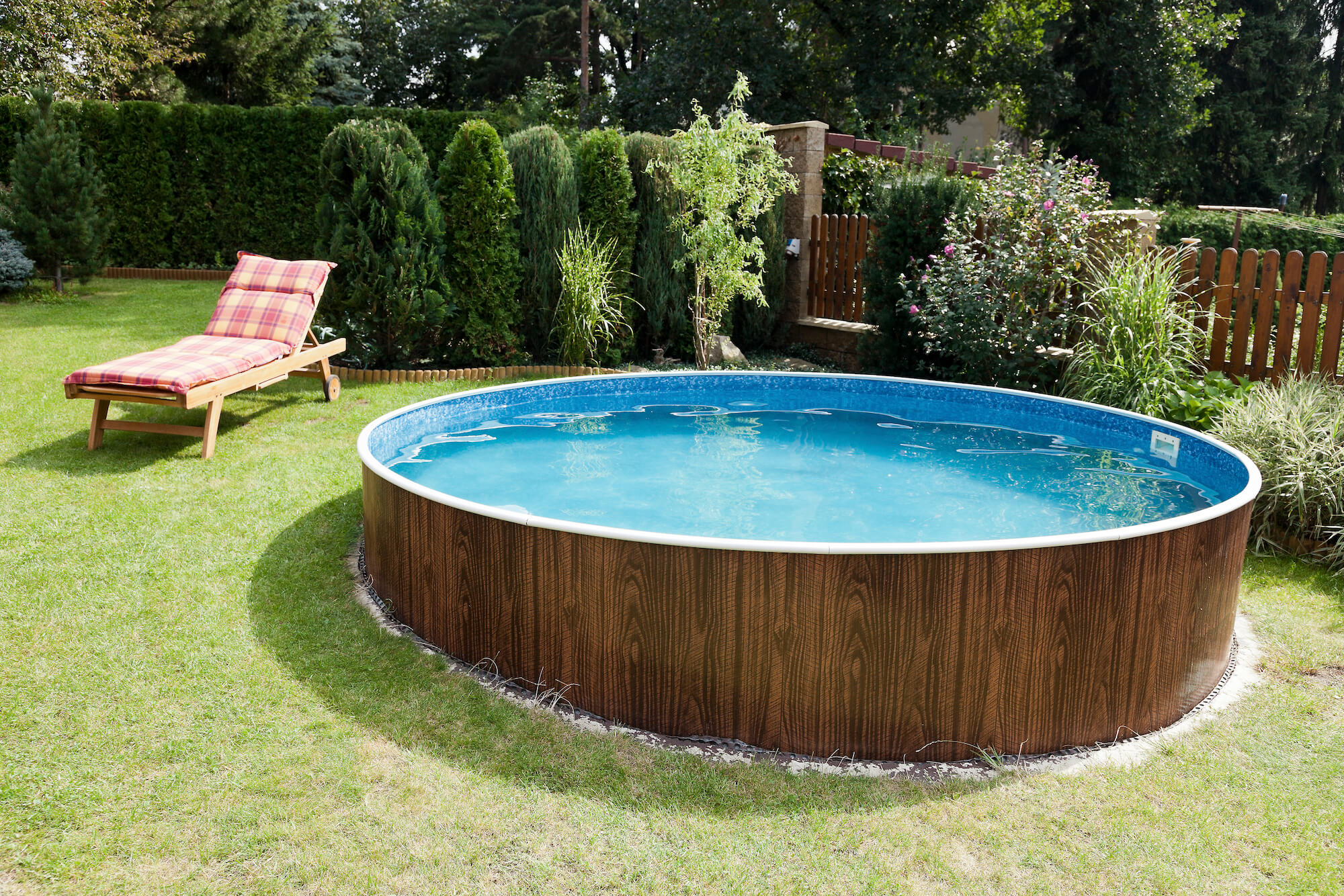 Above ground swimming pools for sale online uk 1st - How to build an above ground swimming pool ...
